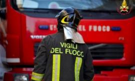 Auto a fuoco all'Abbadia di Fiastra: pronto intervento dei pompieri