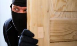 Catena di furti a Ferragosto: è caccia ai malviventi