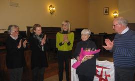 """Civitanova, consegnato il premio """"Città, Cultura e Solidarietà"""" a Jole Morresi"""