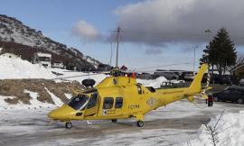 Bolognola. Cade sulla pista da sci: ragazza trasportata a Torrette con l'elicottero