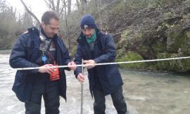 Monte San Martino, prelievo abusivo di acqua dal fiume Tenna: intervengono i Carabinieri