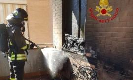 Corridonia, in fiamme l'impianto di climatizzazione esterno di un'abitazione (FOTO)