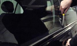 Porto Recanati, raid di furti nella notte: colpite 4 auto parcheggiate in via Della Montecatini