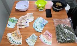 Matelica, gli trovano in casa 100 gr di droga: arrestato un 20enne con precedenti (FOTO)