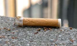 Mogliano contro l'abbandono dei mozziconi di sigaretta: disponibili posacenere tascabili