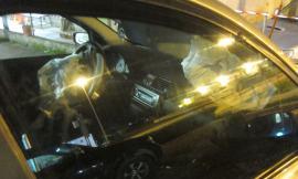 Distrugge una macchina, parcheggia e se ne va: serata movimentata a Montecosaro (FOTO)