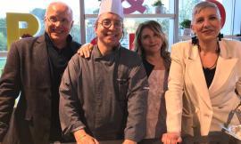 """Montecosaro, """"Pane&Cuore"""" fa centro: lo chef Mazzaroni brinda con Ambalt"""