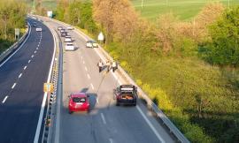 Incidente in superstrada all'altezza dell'uscita di Sforzacosta: coinvolte due auto (FOTO)