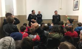 """Appignano, una giornata con i Carabinieri per gli alunni dell'Istituto """"Della Robbia"""" all'insegna della legalità"""