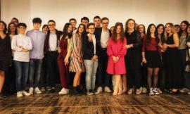 """Macerata, le classi del Linguaggio della Comunicazione del Liceo """"Leopardi"""" hanno presentato i loro lavori (FOTO)"""
