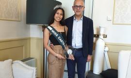 Civitanova, Aimee Razaele Montales conquista la fascia di Miss Earth Philippines Europe