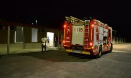 Paura a Camerino: incendio in un container in via D'Accorso