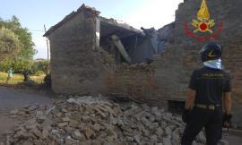 Mogliano, crolla abitazione inagibile: strada interdetta