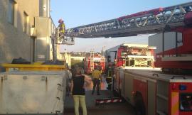 Corridonia, incendio in un silo del calzaturificio Men's Shoes: intervengono i Vigili del Fuoco (FOTO)