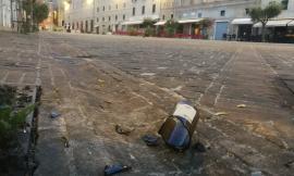 Macerata, Far West in Piazza Mazzini. Scoppia una violenta rissa: 2 feriti uno in gravi condizioni (FOTO)