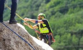 Il Soccorso Alpino in esercitazione lungo la falesia di Pioraco (FOTO)