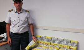 Blitz della Guardia di Finanza all'Hotel House: trovati 19 chili di tabacco da contrabbando