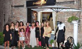 """Sarnano, """"Galleria Giò"""" festeggia i 2 anni di attività con un flash mob (FOTO)"""