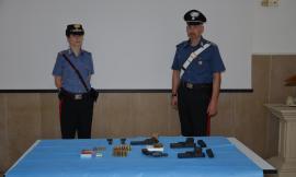 Un arsenale di armi e munizioni rubate nascoste sotto terra: caccia agli autori del furto