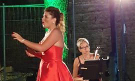 """La soprano Marta Torbidoni incanta Caldarola: un successo la rassegna """"Musica Intorno"""" (FOTO)"""