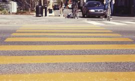 Pedone incauto travolto: fino a che punto è responsabile il conducente di omicidio stradale?