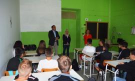"""San Severino, """"Rientrare nel nuovo istituto il prima possibile"""": il sindaco Piermattei saluta gli studenti del """"Divini"""" (FOTO)"""