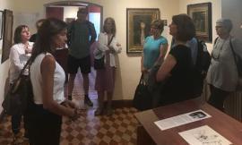 """Porto Recanati, prosegue con successo la mostra """"La Donna nell'Arte"""""""