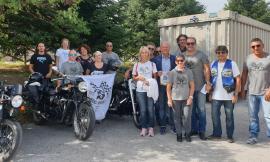 """Caldarola, donazione del gruppo """"Riders Douhet"""" al sindaco Giuseppetti"""