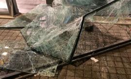 Furto con spaccata al negozio Vrients di Civitanova: rubati capi per 50mila euro (FOTO)