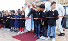 Grande festa a Muccia. Inaugurata la nuova chiesa di San Biagio: tornano a suonare le campane (FOTOGALLERY e VIDEO)