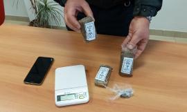 Treia, 300 grammi di hashish in un appartamento del centro: 40enne ai domiciliari