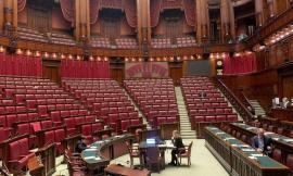 A Montecitorio si discute il decreto sisma: la Camera è deserta