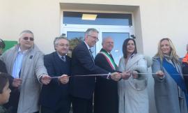 """Taglio del nastro per il nuovo Municipio di Caldarola: """"Sarà la casa di tutti i cittadini"""" (FOTO)"""