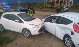 Morrovalle, frontale tra due auto lungo la provinciale (FOTO)
