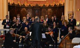 Montecosaro, Collegiata gremita per un Concerto di Natale di emozioni, sorprese e solidarietà