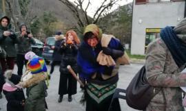 Ussita arriva la befana con l'aiuto del Soccorso alpino