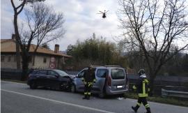 Montecassiano, frontale lungo la provinciale: uomo trasportato a Torrette (FOTO)