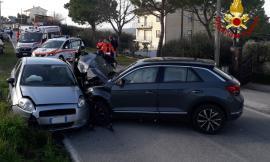 Mogliano, scontro tra due auto in località Macina: tre feriti al pronto soccorso