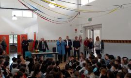 """Pollenza, la scuola primaria 'Carlo Urbani' diventa plastic free con il progetto """"Rubinettiamoci"""""""