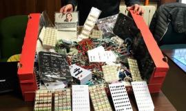 Porto Recanati, Blitz al mercato della Guardia di Finanza: sequestrati oltre 2500 articoli di bigiotteria