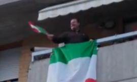 Corridonia, uniti contro l'emergenza Covid-19: dai balconi si canta l'inno di Mameli (VIDEO)