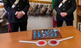 Pioraco, gli trovano in casa 150 grammi di droga: arrestata giovane coppia dello spaccio