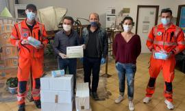 Civitanova, 2500 mascherine donate alla Croce Verde: il gesto dei ragazzi dell'Atletica Ama