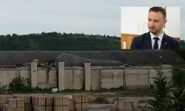 """Montecassiano, crolla tetto all'ex fornace Smorlesi. Allarme amianto: residenti preoccupati. Il sindaco: """"Subito un'ordinanza"""""""