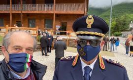 Castelsantangelo sul  Nera, il vice questore Andrea Innocenzi va in congedo: l'omaggio del sindaco Falcucci