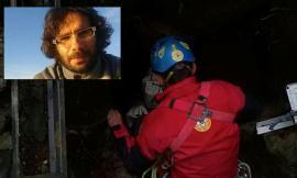 Bloccato in una grotta per 3 giorni: recuperato lo speleologo di Pollenza Alessadro Cegna