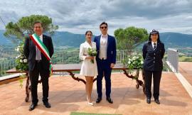 """Il Comune di San Ginesio celebra il primo matrimonio post-Covid: Alice ed Elia si dicono """"sì"""""""