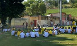 Caldarola, primo giorno di centro estivo per tanti bambini: svago e divertimento in piena sicurezza