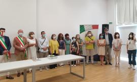 """Caldarola, premiati gli studenti di terza media più meritevoli: cerimonia alla """"De Magistris"""" (FOTO)"""