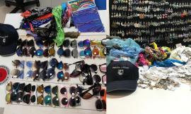Potenza Picena, lotta all'abusivismo: sequestri in spiaggia, venditori in fuga